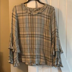 Pleione small gray checkered top ruffle sleeve